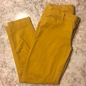 Old Navy Pixie Pants - Size 6